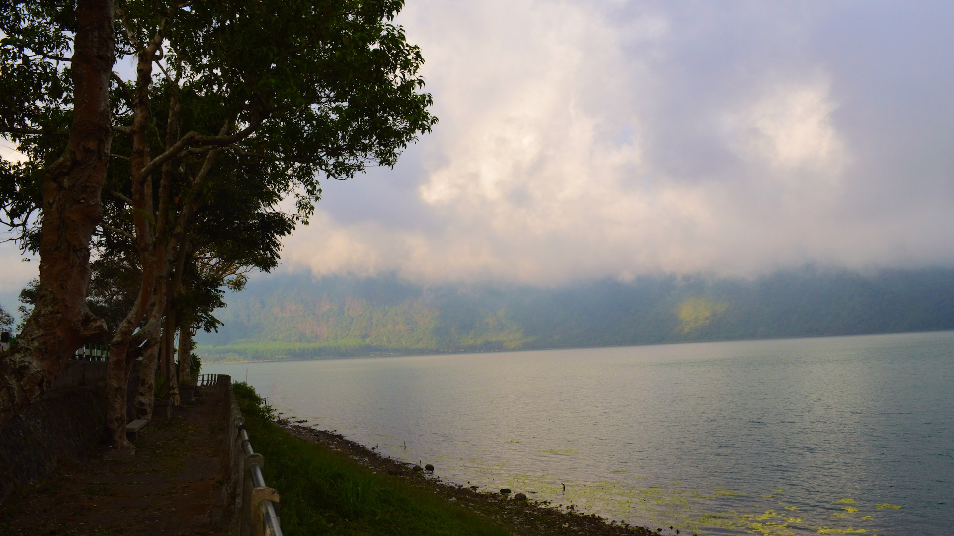 Поездка на водопады. Горная дорога, озера и Лувак