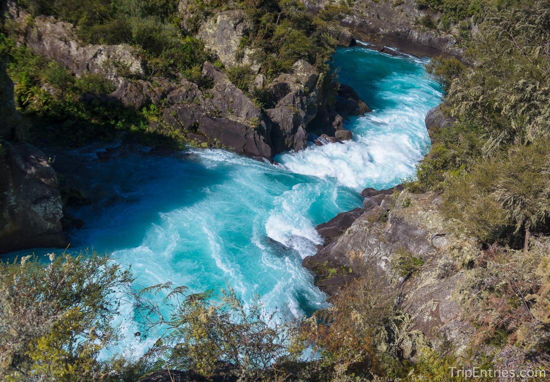 Река Waikato - дамба и водопад Huka Falls
